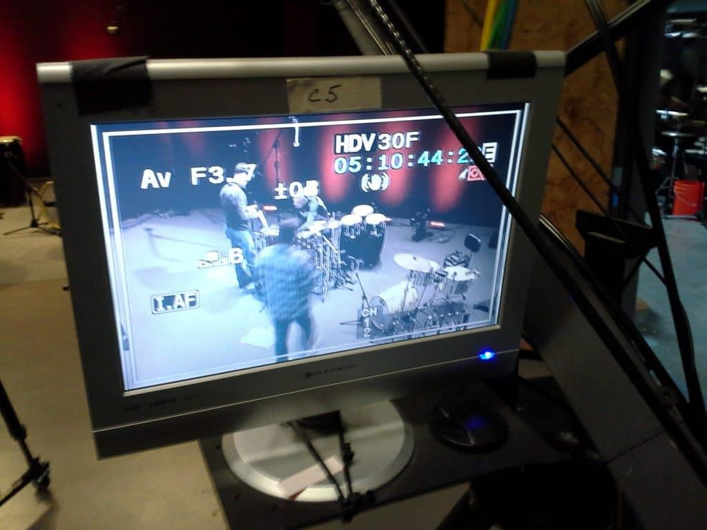 photo-djs-DrumChannel-VideoMonitor